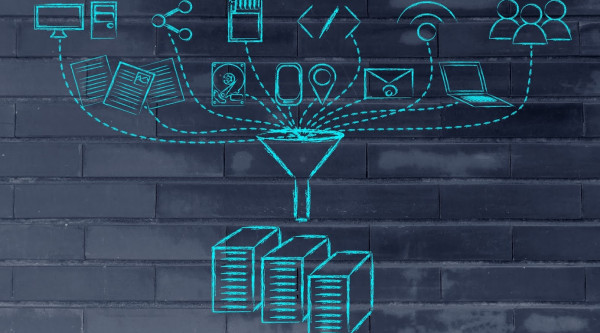 Server Vernetzung Daten Management Prozesse concept of big data processing and transfers users devices and file storage